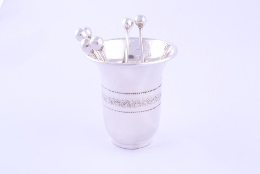 Obiecte argint masiv set suport + 6 scobitori aperitiv