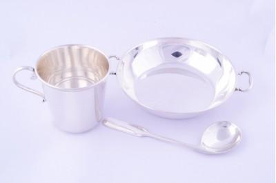 Obiecte argint masiv set bebe lingurita,bol si cescuta in cutie